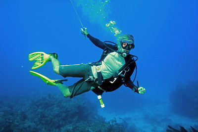 Divemaster Emily leading one of many drift dives