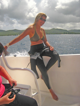 Now, this is my idea of a divemaster - wife of the dive shop owner but still a pleasure to follow