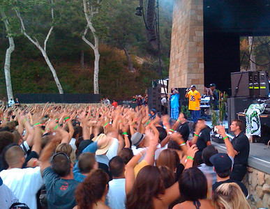 Crowd going wild (Snoop Dogg at the SB Bowl)