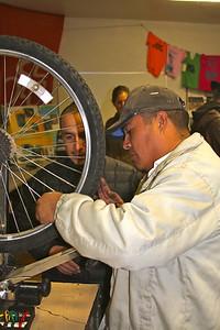 Trueing a wheel