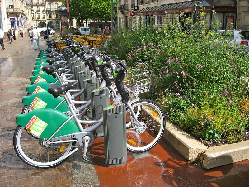VélOstan'lib : le Vélib de Nancy  http://tout-metz.com/velostanlib-nancy-08.php