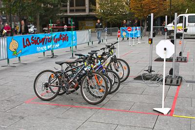 Fleet of bikes for different schools http://www.preventionroutiere.asso.fr/Enseignants/A-l-ecole/Les-Pistes-velo
