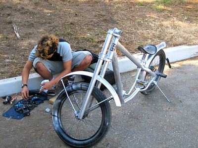 Custom made bike: the handle bar needs some work
