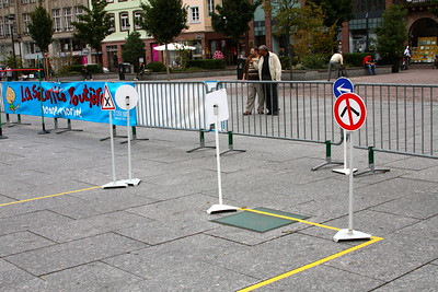 La piste de « circulation » permet aux enfants de travailler le respect des règles de circulation ainsi que le respect des autres usagers