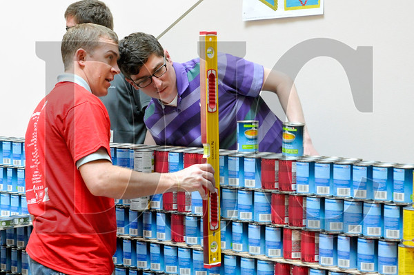 0407_Canstruction_05.jpg