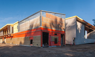 The new Hidden Creek Community Center is constructed with a combination of concrete tilt walls, glulam beams and columns and cross-laminated timber panels. (Josh Kulla/DJC)