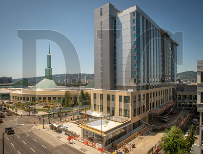 Construction is expected to wrap this fall on the 600-room Hyatt Regency Portland at the Oregon Convention Center hotel. (Josh Kulla/DJC)