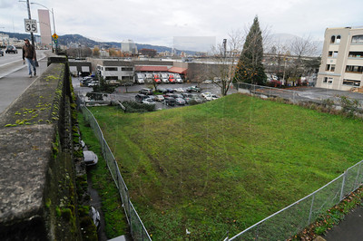 A $60 million mixed-use project is being planned for half of Block 67, a piece of land bordered by Northeast 2nd Avenue and 3rd Avenue just north of the Burnside Bridge. The proposed 12-story building will have approximately 290 market-rate apartments, groud-floor retail, and about 175 parking spots.