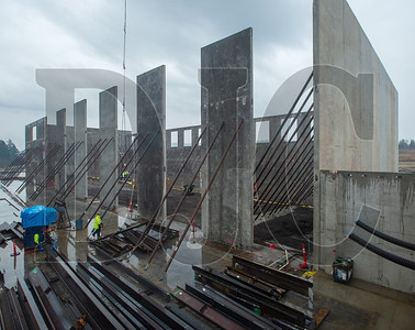 Skanska USA Building is self-performing virtually all the concrete work at its Sherwood High School job site, including the concrete tilt panels being used to build the gymnasium. (Josh Kulla/DJC)