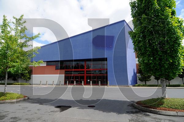 A  36,360-square-foot former Best Buy building near Portland International Airport is up for lease at $1,350 per square foot, triple net. It is also for sale for $6 million.