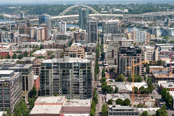 A deck on the north side of the building offers views of the Pearl District and Fremont Bridge.