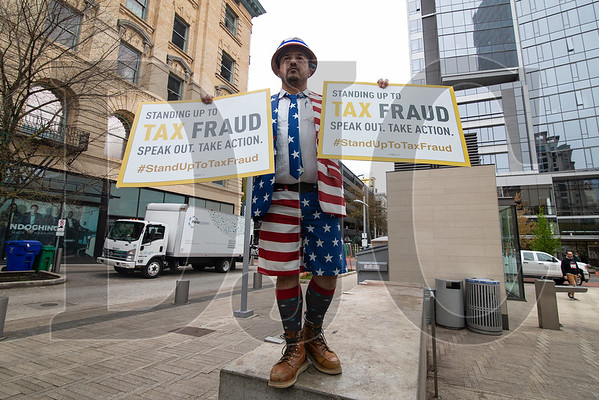 On April 15, Sam Murillo, a representative of Eugene-based Carpenters Local 271, protested against wage theft in the construction industry during a rally at Director Park in Portland. (Sam Tenney/DJC)
