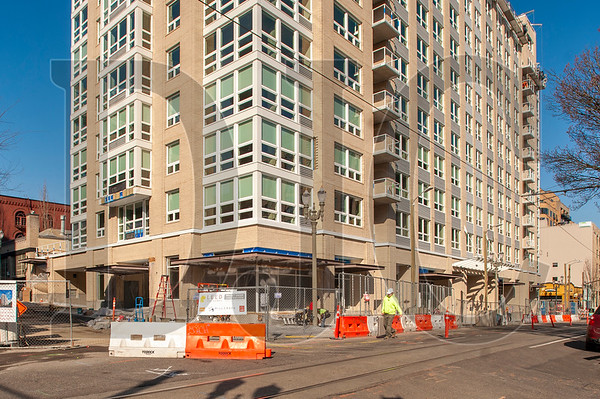 Modera Davis, a Pearl District development from Mill Creek Residential Trust, is coming to market as large-scale multifamily construction dwindles in the face of escalating costs and flat rents. (Josh Kulla/DJC)
