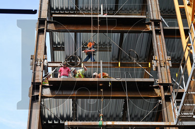 Steel erection on Park Avenue West