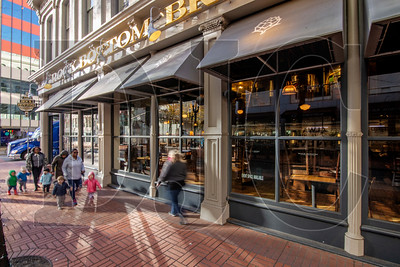 Rock Bottom Brewery, which closed its doors earlier this week, is the latest in a wave of large Portland brewpubs to abruptly go out of business. (Sam Tenney/DJC)