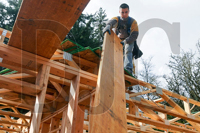 0325_Homebuilding_Workers_01.jpg