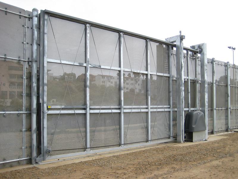 9550 Border fence 3