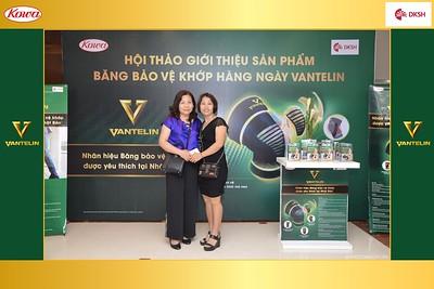 DKSH-Kowa-Hoi-thao-gioi-thieu-bang-bao-ve-khop-hang-ngay-Vantelin-instant-print-photobooth-in-Hanoi-in-anh-lay-ngay-045