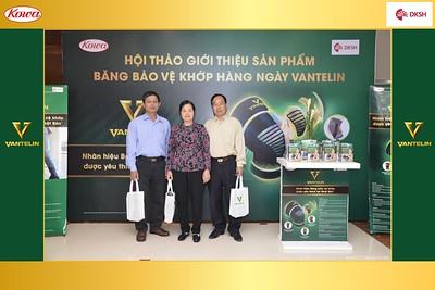 DKSH-Kowa-Hoi-thao-gioi-thieu-bang-bao-ve-khop-hang-ngay-Vantelin-instant-print-photobooth-in-Hanoi-in-anh-lay-ngay-022