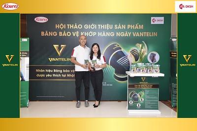 DKSH-Kowa-Hoi-thao-gioi-thieu-bang-bao-ve-khop-hang-ngay-Vantelin-instant-print-photobooth-in-Hanoi-in-anh-lay-ngay-016