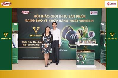 DKSH-Kowa-Hoi-thao-gioi-thieu-bang-bao-ve-khop-hang-ngay-Vantelin-instant-print-photobooth-in-Hanoi-in-anh-lay-ngay-040