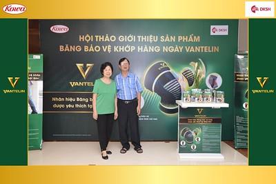DKSH-Kowa-Hoi-thao-gioi-thieu-bang-bao-ve-khop-hang-ngay-Vantelin-instant-print-photobooth-in-Hanoi-in-anh-lay-ngay-035