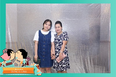 Dung-Linh-wedding-instant-print-photo-booth-Bien-Hoa-Dong-Nai-Chup-hinh-in-anh-lay-lien-Tiec-cuoi-WefieBox-Photobooth-Vietnam-041