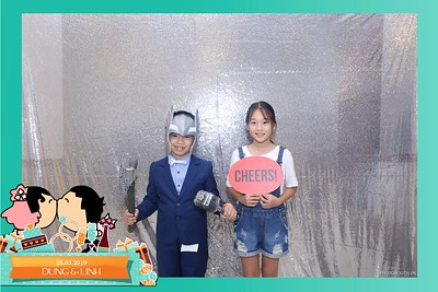 Dung-Linh-wedding-instant-print-photo-booth-Bien-Hoa-Dong-Nai-Chup-hinh-in-anh-lay-lien-Tiec-cuoi-WefieBox-Photobooth-Vietnam-040