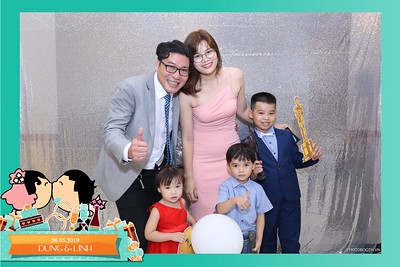 Dung-Linh-wedding-instant-print-photo-booth-Bien-Hoa-Dong-Nai-Chup-hinh-in-anh-lay-lien-Tiec-cuoi-WefieBox-Photobooth-Vietnam-024