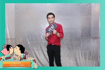 Dung-Linh-wedding-instant-print-photo-booth-Bien-Hoa-Dong-Nai-Chup-hinh-in-anh-lay-lien-Tiec-cuoi-WefieBox-Photobooth-Vietnam-032