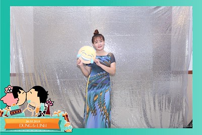 Dung-Linh-wedding-instant-print-photo-booth-Bien-Hoa-Dong-Nai-Chup-hinh-in-anh-lay-lien-Tiec-cuoi-WefieBox-Photobooth-Vietnam-037
