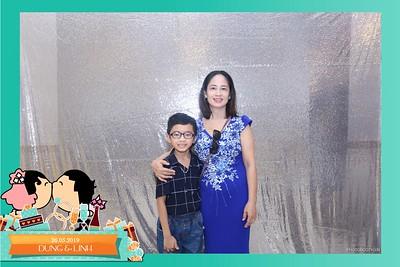 Dung-Linh-wedding-instant-print-photo-booth-Bien-Hoa-Dong-Nai-Chup-hinh-in-anh-lay-lien-Tiec-cuoi-WefieBox-Photobooth-Vietnam-042