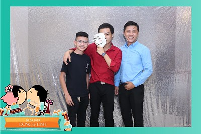 Dung-Linh-wedding-instant-print-photo-booth-Bien-Hoa-Dong-Nai-Chup-hinh-in-anh-lay-lien-Tiec-cuoi-WefieBox-Photobooth-Vietnam-030