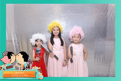 Dung-Linh-wedding-instant-print-photo-booth-Bien-Hoa-Dong-Nai-Chup-hinh-in-anh-lay-lien-Tiec-cuoi-WefieBox-Photobooth-Vietnam-007