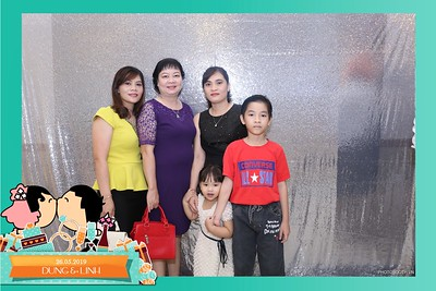 Dung-Linh-wedding-instant-print-photo-booth-Bien-Hoa-Dong-Nai-Chup-hinh-in-anh-lay-lien-Tiec-cuoi-WefieBox-Photobooth-Vietnam-006
