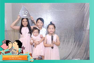 Dung-Linh-wedding-instant-print-photo-booth-Bien-Hoa-Dong-Nai-Chup-hinh-in-anh-lay-lien-Tiec-cuoi-WefieBox-Photobooth-Vietnam-028