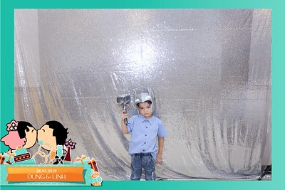 Dung-Linh-wedding-instant-print-photo-booth-Bien-Hoa-Dong-Nai-Chup-hinh-in-anh-lay-lien-Tiec-cuoi-WefieBox-Photobooth-Vietnam-029