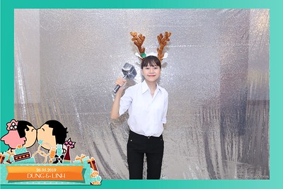 Dung-Linh-wedding-instant-print-photo-booth-Bien-Hoa-Dong-Nai-Chup-hinh-in-anh-lay-lien-Tiec-cuoi-WefieBox-Photobooth-Vietnam-045