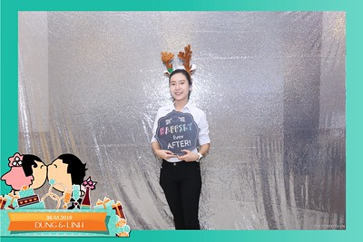 Dung-Linh-wedding-instant-print-photo-booth-Bien-Hoa-Dong-Nai-Chup-hinh-in-anh-lay-lien-Tiec-cuoi-WefieBox-Photobooth-Vietnam-039