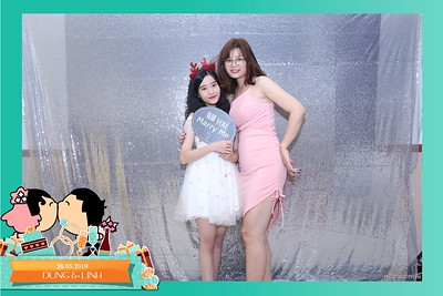 Dung-Linh-wedding-instant-print-photo-booth-Bien-Hoa-Dong-Nai-Chup-hinh-in-anh-lay-lien-Tiec-cuoi-WefieBox-Photobooth-Vietnam-017