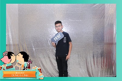 Dung-Linh-wedding-instant-print-photo-booth-Bien-Hoa-Dong-Nai-Chup-hinh-in-anh-lay-lien-Tiec-cuoi-WefieBox-Photobooth-Vietnam-034