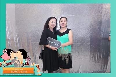 Dung-Linh-wedding-instant-print-photo-booth-Bien-Hoa-Dong-Nai-Chup-hinh-in-anh-lay-lien-Tiec-cuoi-WefieBox-Photobooth-Vietnam-012