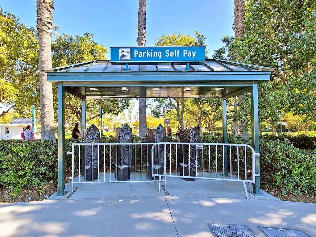 20210302_101323 downtown disney parking self pay kiosks