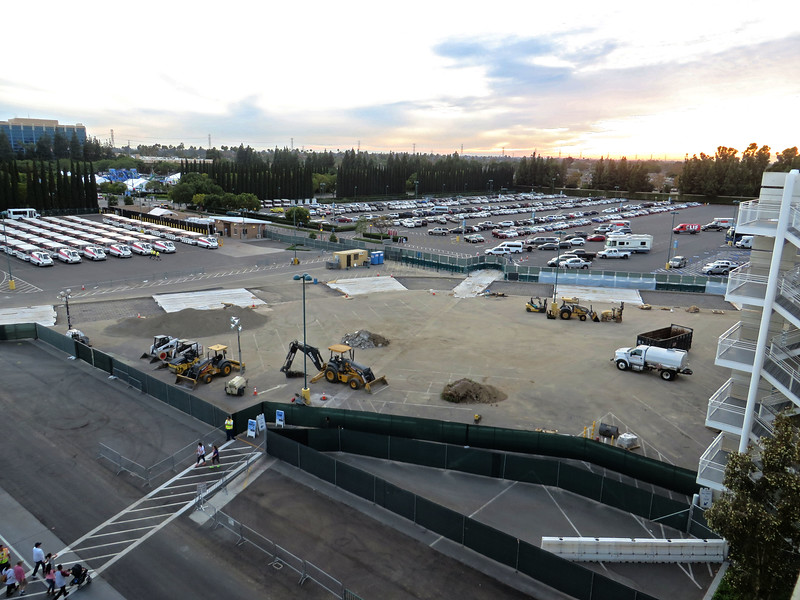 PICTORIAL: Mickey and Friends begins construction on new security area, Star Wars Land progresses, Holidays launch and more!