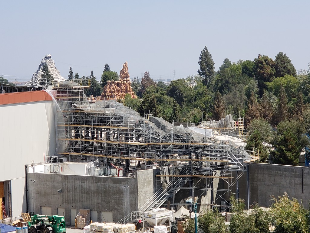 PICTORIAL: Tons of construction underway as Disneyland prepares for Halloween, Marvel themed land, Star Wars, and more!