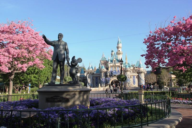 "Demand-based ""seasonal"" pricing structure debut for Disneyland, Walt Disney World"