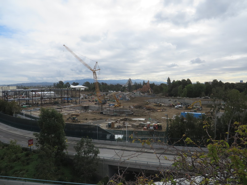 PICTORIAL: Red Rose Taverne, Star Wars Land, and the rain, rain, rain came down, down, down
