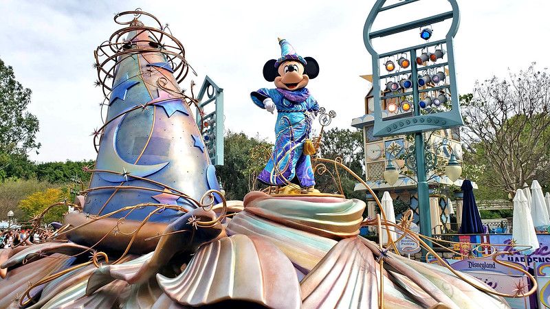 FIRST LOOK: MAGIC HAPPENS parade soft opens at Disneyland