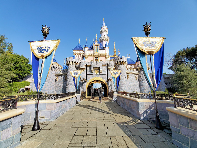 Disneyland, Disney World confirm indefinite closure, Cast Member pay extended to April 18, 2020