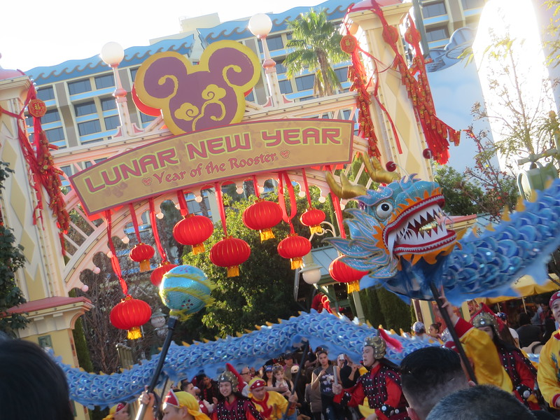 "PICTORIAL: ""Off-season"" crowds pack resort under refurbishment, Lunar New Year"